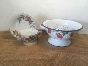 Vintage-1983-Teleflora-Enamel-Colander-amp-Cup-amp-Saucer-Set-w-Red-Strawberries