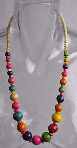 Collier-ethnique-en-bois-multicolor-n-1