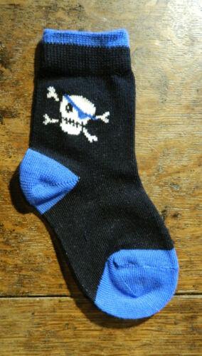 3 Paires De Garçons Pirate Thème chaussettes taille uk 0-2.5 eur 16-18