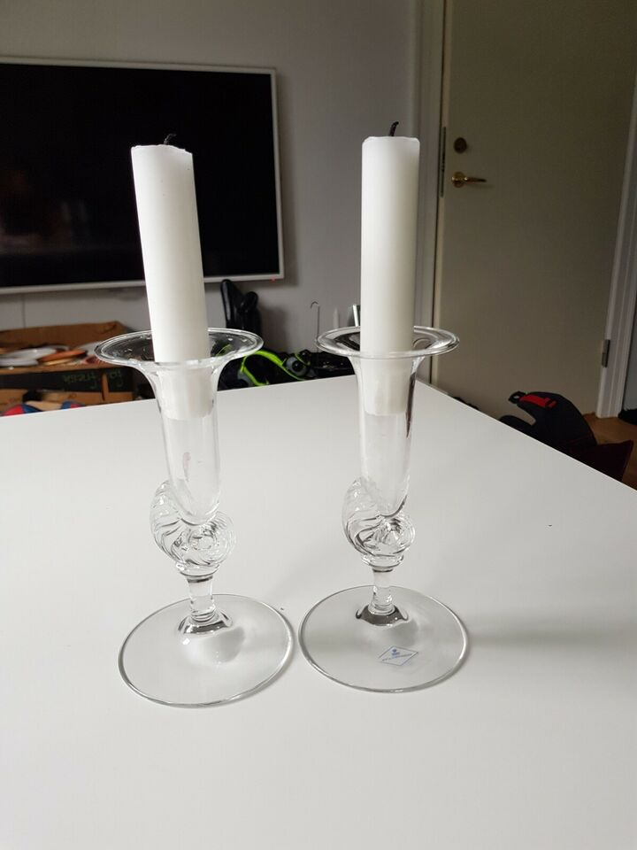Glas, 2 Krystal lysestager, Netun