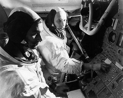 ZZ-705 8X10 NASA PHOTO JOHN YOUNG /& TOM STAFFORD APOLLO 10 CREW GENE CERNAN