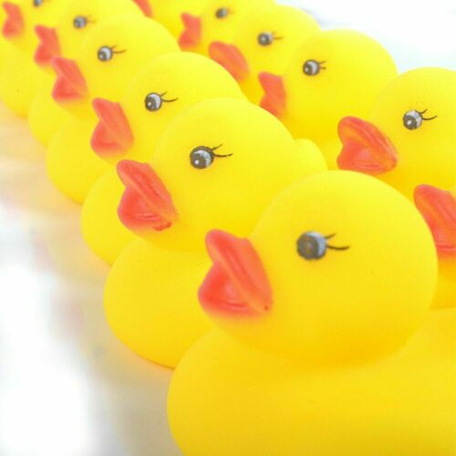 Rubber Duck Pink Yellow Floating Bath Toy Kids Child Water Ducky Race Gift New a