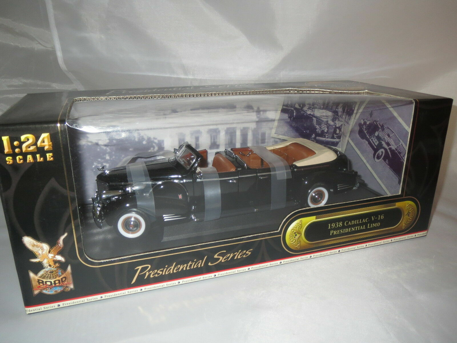 CADILLAC V-16 PRESIDENTIAL LIMO 1938 ROAD SIGNATURE SIGNATURE SIGNATURE 1 24 NEW IN BOX 9dc6a6