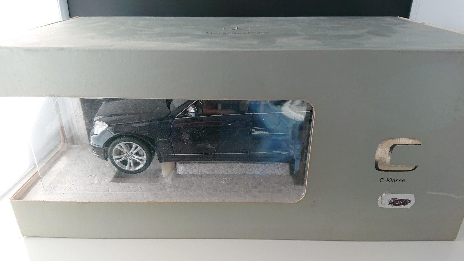 1:18 Autoart MERCEDES CLASSE C T-Modèle c350 AVANTGARDE blaumet. s204 NEUF neuf dans sa boîte | France