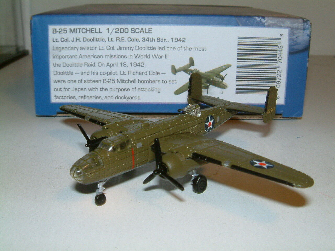 1 200 B-25 MITCHELL 34thSDR 1942   DIECAST, AIR FORCE ONE