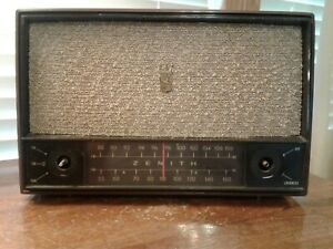 Vintage-Mid-Century-Zenith-Model-C724L-AM-FM-Tube-Radio-For-Parts-Or-Restoration