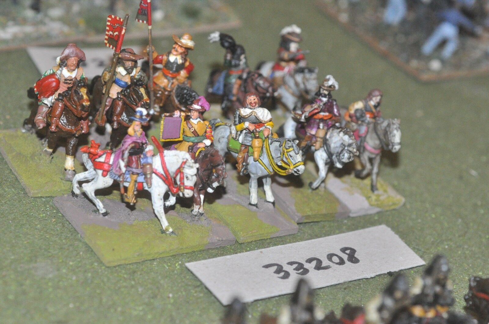25mm ECW   royalist - heavy 10 figures - cav (33208)