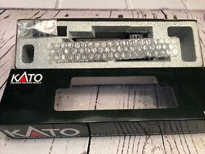Kato EMD NW2 phase 1 37-107 Pennsylvania # 3909.