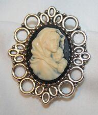 Picot Rim Cream & White Madonna & Child Cameo Brooch Pin