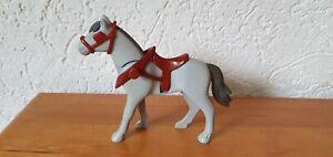 Playmobil-Figur-1-Pferd-zum-Reiterhof-Western-Ritter-etc-Kutschpferd-grau