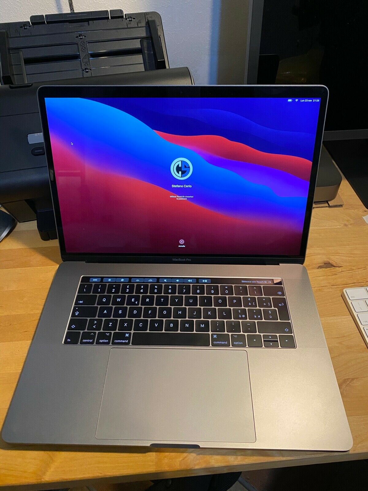 macbook: Apple Macbook Pro Space Grey 15″ Touch Bar A1707 i7 512Gb 16Gb Radeon Pro 460 4G