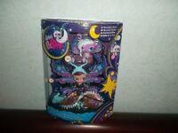 Littlest Petshop Coffret Moolite Fairies Poupée Blythe B48 & Son Petshop 2825