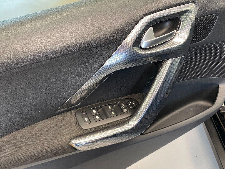 Billede af Peugeot 2008 1,6 BlueHDi 100 Desire Sky