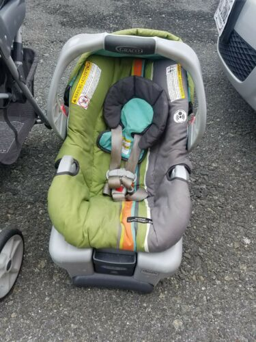 Stroller with cart seat. In good condition . Just a year of use.