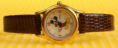 "Strict Women's Vintage Mickey Mouse By Lorus ""v811-x103"" Quartz Watch  Consumers First Wristwatches"