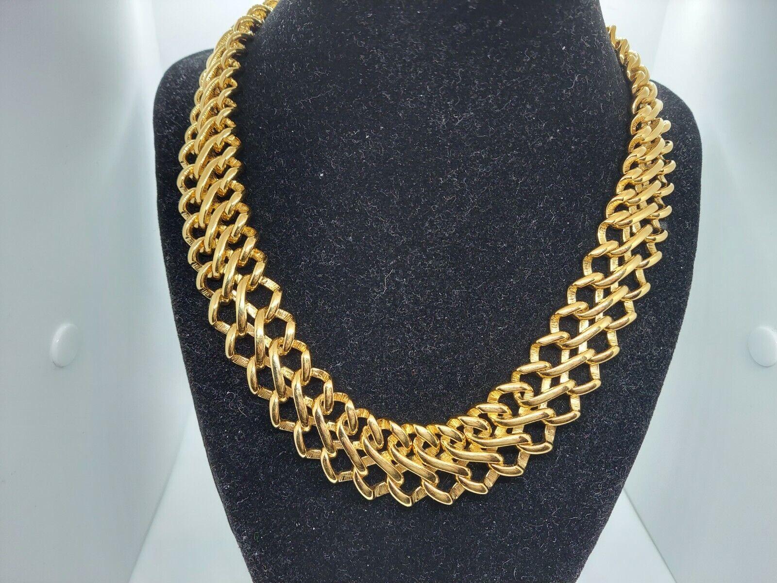 16 long Monet Goldtone Choker~ Twisted Bar on Spiral Chain