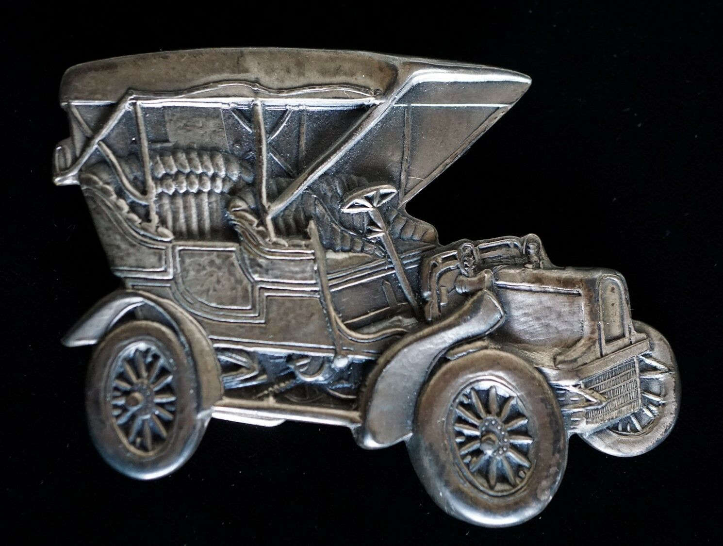 Belt Buckle ~ Model T Car ~ Pewter Look ~ Unsigned ~ Very Detailed
