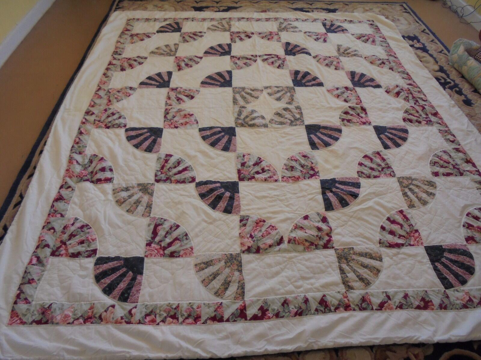 Nice Fan Pattern w Frame Quilt