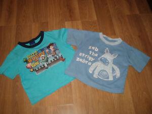 Constructif 2 Bébé T Shirts 1.5/2yrs & 2/3yrs-afficher Le Titre D'origine De Haute Qualité Et Peu CoûTeux