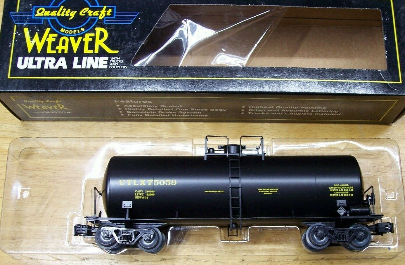 Weaver O Scale ULTRA LINE 40' TANK CAR UTLX 3 RAIL NOS