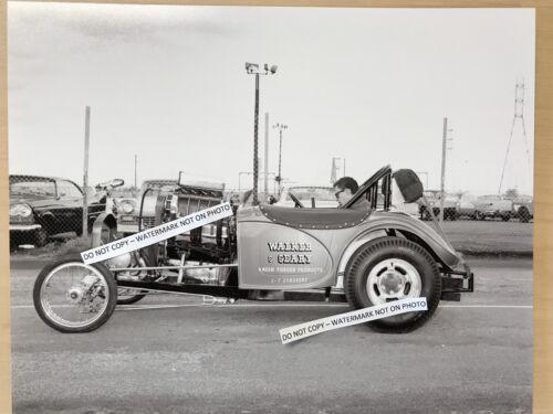 Bob Walker and Bud Geary /'32 Austin Bantam Altered NHRA 8x10 Vintage Photo