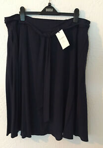 Ladies-M-amp-S-Classic-Size-20-Navy-Knee-Length-Crepe-Skirt-with-Tie-Belt-Bnwt-27-034-L