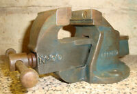 RECORD No.00 VERY SMALL BENCH VICE IN REASONABLE / GOOD USED CONDITION ~ 1980's