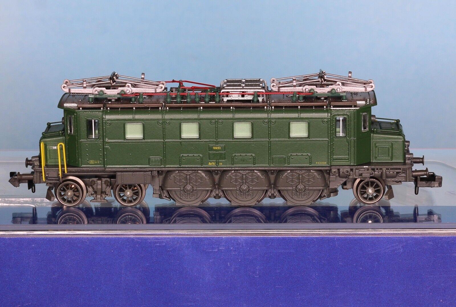PIKO 40322, Traccia N, E-Lok SBB Ae 3/6 i   10693, verde, epoca 4