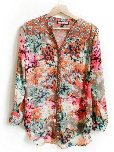 Olive Hill Med Floral Print Flowy Button Down Top