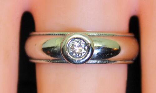 Nice 14K Gold Unique .13 Ct Solitaire Diamond Ban… - image 1