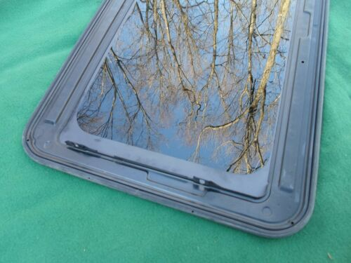 2001 CHEVY BLAZER YEAR SPECIFIC SUNROOF GLASS OEM NO ACCIDENT FREE SHIPPING