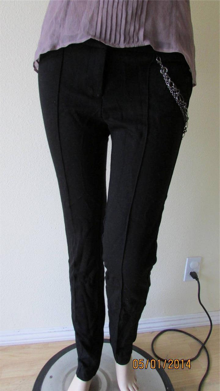 NWT BEBE PANTS WITH METAL CHAIN SIZE 8