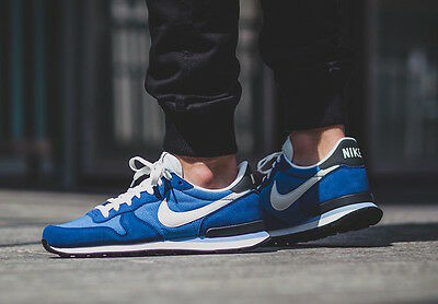 Nike Internationalist Star Blue White size 10. 828041-401. air max flyknit tan