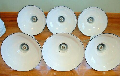 """1 Benjamin 14/"""" Porcelain White Barn Industrial Gas Station Light Enamel Vtg B/'s"""
