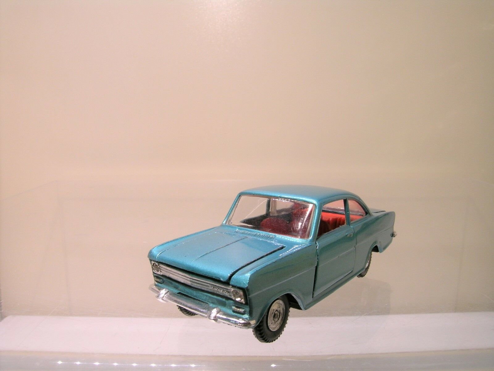 POLITOYS ITALY No. M-510 OPEL KADETT A COUPE METALLIC verde SCALE 1 43
