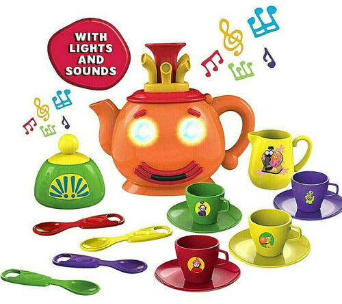 Teletubbies Tea Set 15 Pièce Lights /& Sounds Théière joue Thème Tune NEUF
