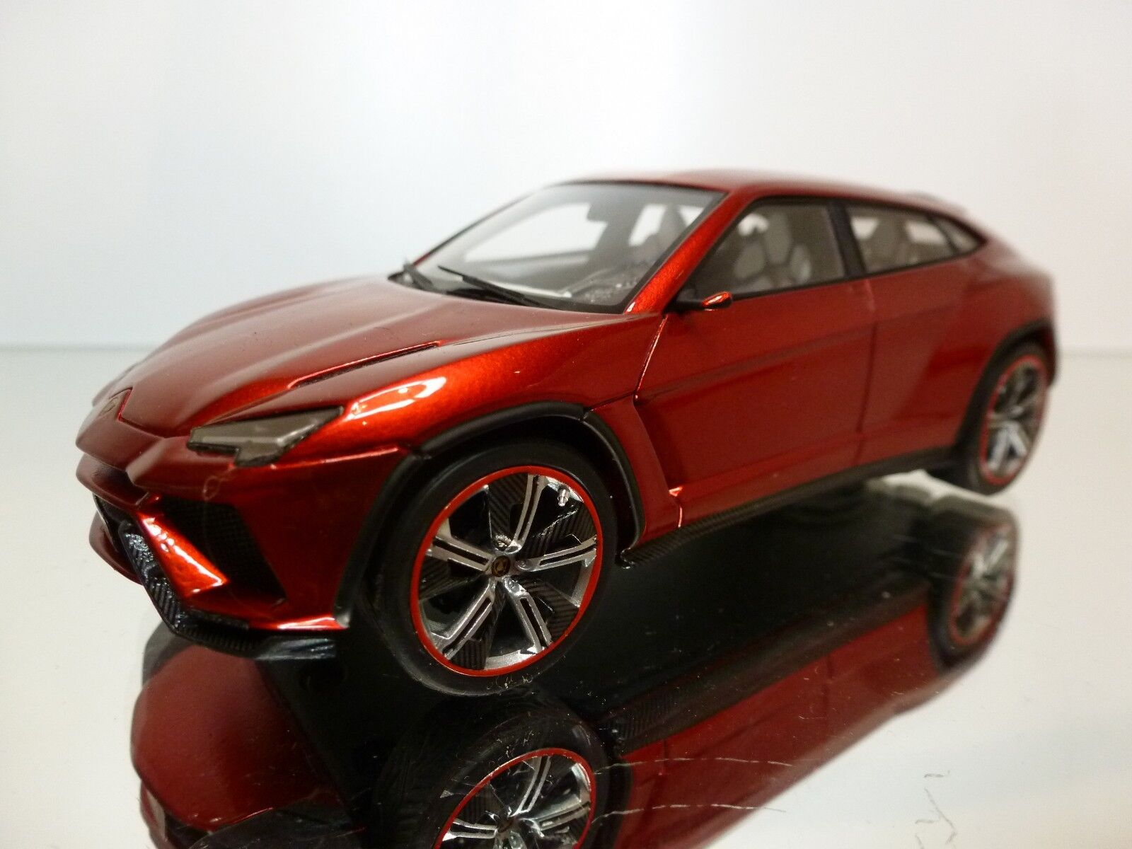 LOOKintelligent LS399A LAMBORGHINI URUS 2012 - rouge  METALLIC 1 43 - EXCELLENT - R29  beaucoup de surprises