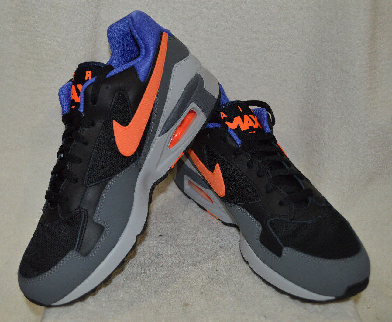 Nike air max st nero / iper - crimson / grigio scuro uomini scarpe - dimensioni nwb nero / iper - crimson / drak grey