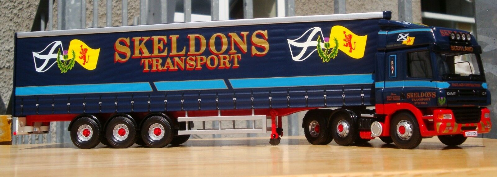Corgi CC13615, DAF CF Curtainside - Skeldons Transport, 1 50