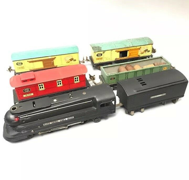 LIONEL LINES TRAIN SET  - 1668E AND 1689T ETC