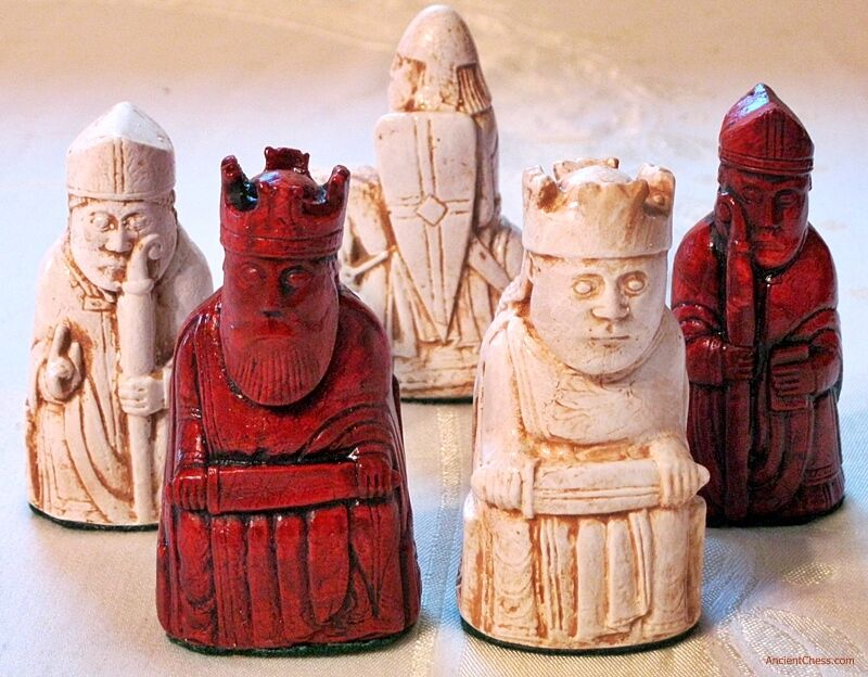 ISLE OF LEWIS CHESS MEN - HAND CAST COLLECTORS' SET - K= 3.5  (rosawood) 706 new