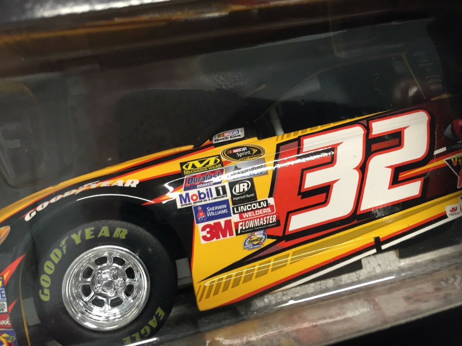 Action 1 24 Jeffery Earnhardt  32 Can-Am 2016 Fusion  1 of 505
