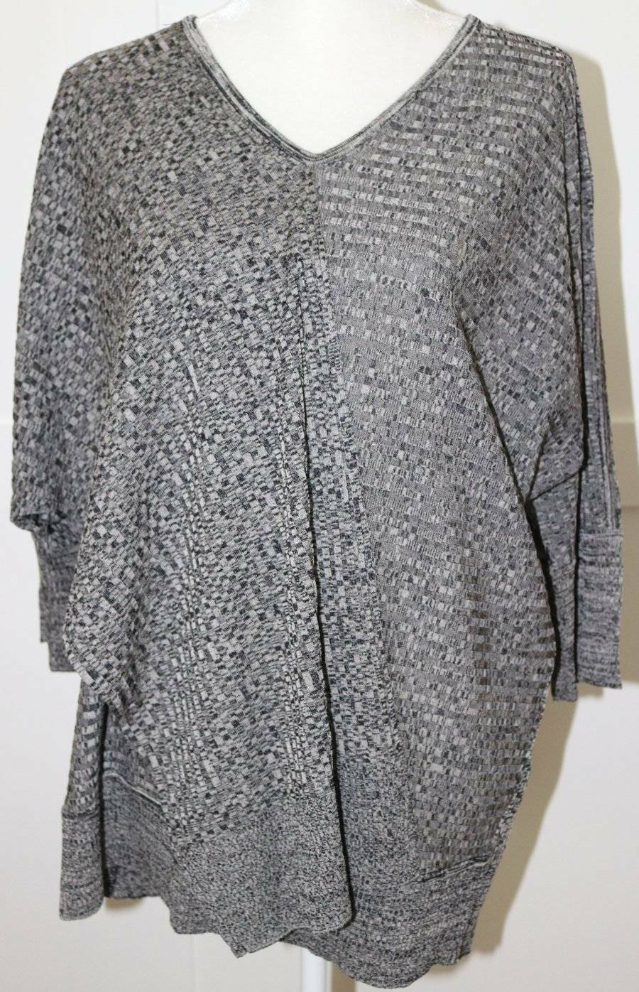 Exclusively Misook grau schwarz Draped Top Tunic Größe Small