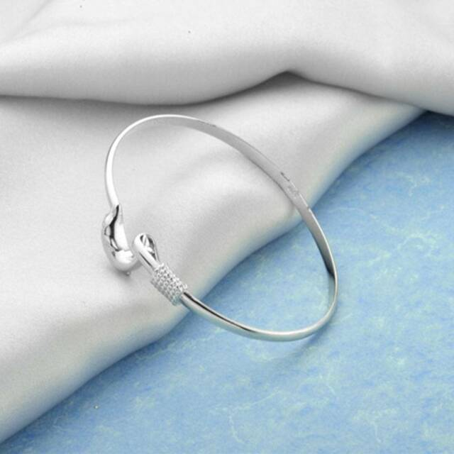 1 Pc Fashion Silver Exquisite Dolphins Bracelet Charm Jewelry Women Gifts~