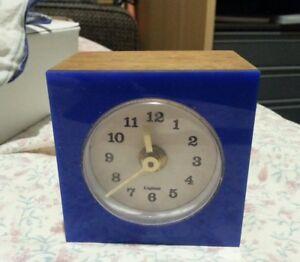 Vintage-Wind-Up-Wooden-Clock-Retro-England