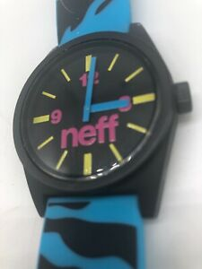 NEFF-Daily-Unisex-Watch-Rubber-5-ATM-New-Battery-Works-Multicolor