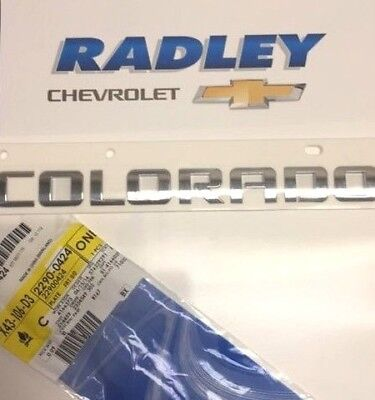 "CHEVY /""COLORADO/"" CHROME DOOR TAILGATE EMBLEM 2015-2017 NEW OEM  22900424"