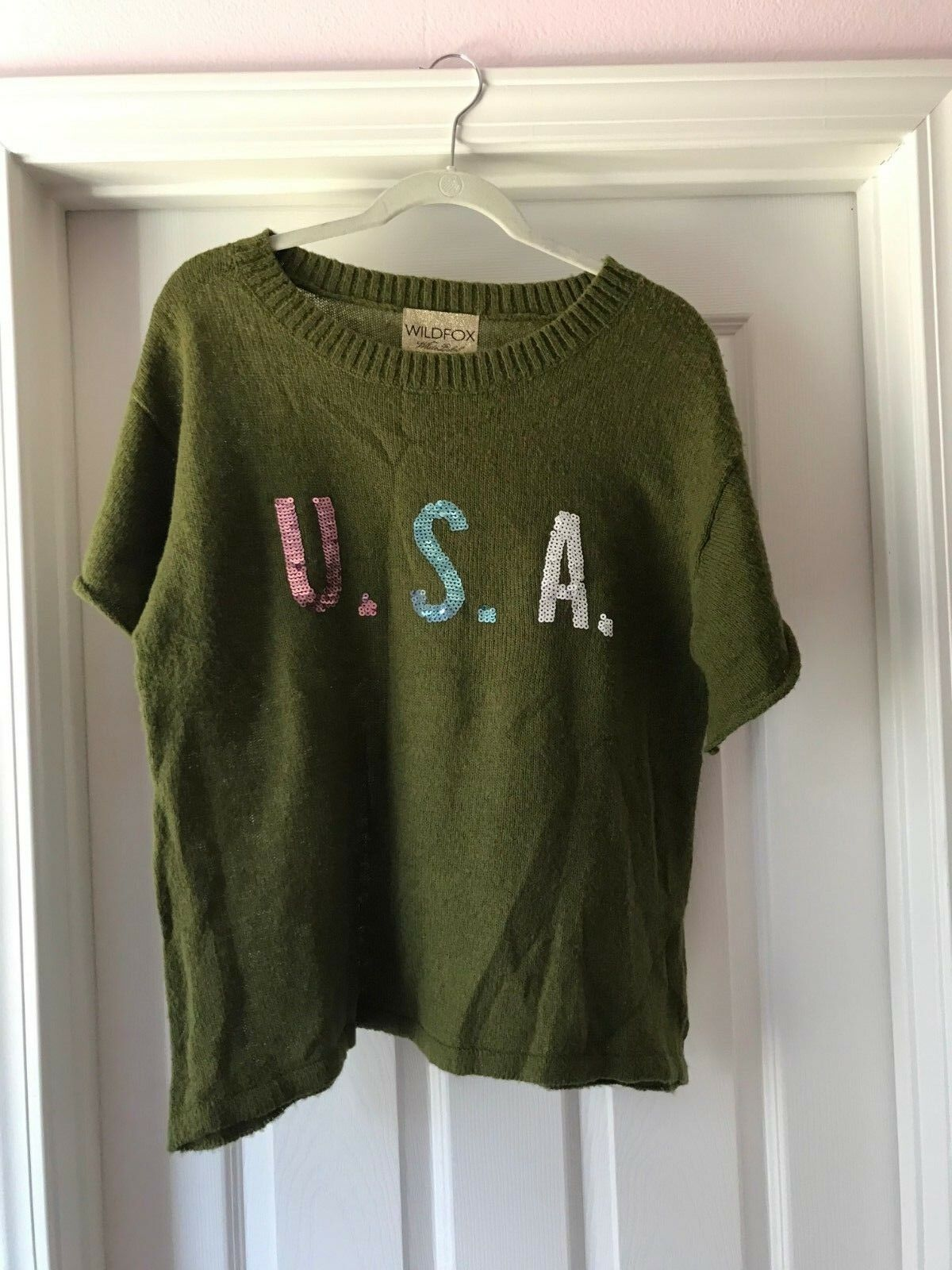 WILDFOX WOMENS  USA  SWEATER SIZE MEDIUM