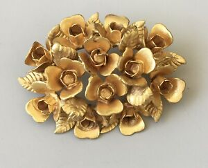 Unique-Vintage-Flower-Brooch-pin-gold-tone-metal