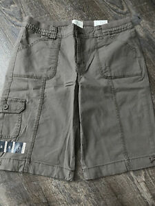 """St Johns Bay 11"""" Bermuda Shorts Easy Fit Mid Rise Taupe Womens Size 10 NWT $32"""